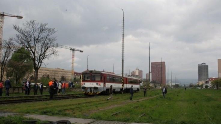 vlak-po-dlhej-dobe-prichadza-na-filialku-02_0a000002-879b-28f3.jpg