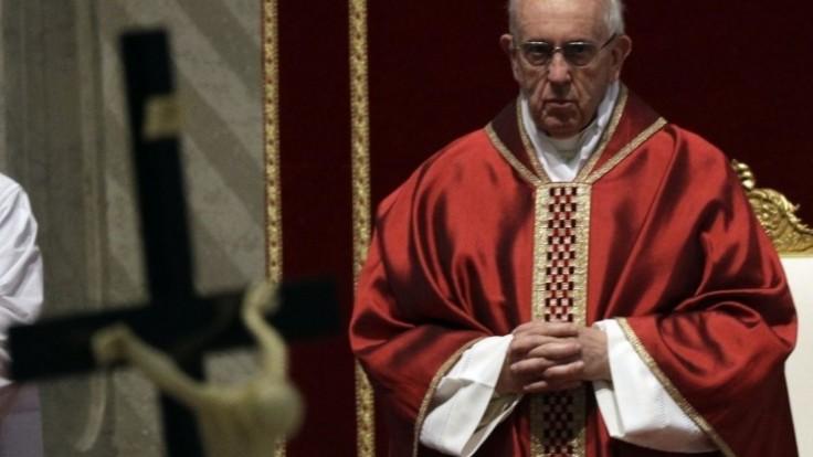 vatican-pope-good-friday-29044-159787a5afce471a9c97e7aad98e4963_0a000002-3582-963e.jpg