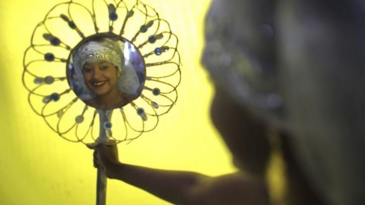 brazil-carnival-yemanja-photo-gallery-99490-3554843a8d574cc9810931197ec61eed_7f000001-e8ab-b718.jpg