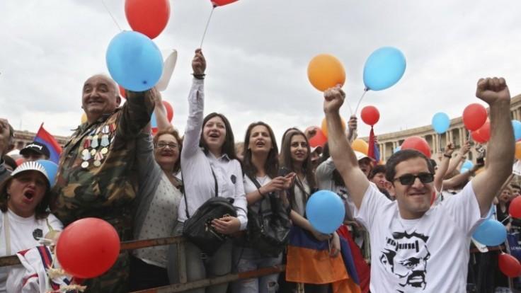 armenia-politics-11750-60e3f20ca18b459099d687aaeba252ce_7f000001-7f83-5b2b.jpg