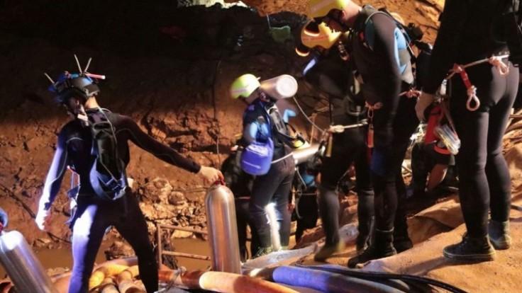 thailand-cave-search-87868-c9162d3ba268493daf413ec2c93075fa_7f000001-38fe-a5f1.jpg