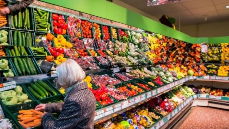 potraviny-nakup-zelenina-supermarket-senior-1140px-ctk_7f000001-7d25-b54a.jpg
