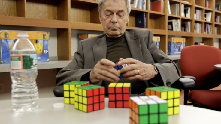 rubiks-cube-exhibit-4ccbc1a3678c4d7ab84d84cf88243633_ac1100ae-53f1-d75f.jpeg