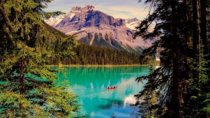 emerald-lake-2406054-1280_0a140370-28e4-68e2.jpg