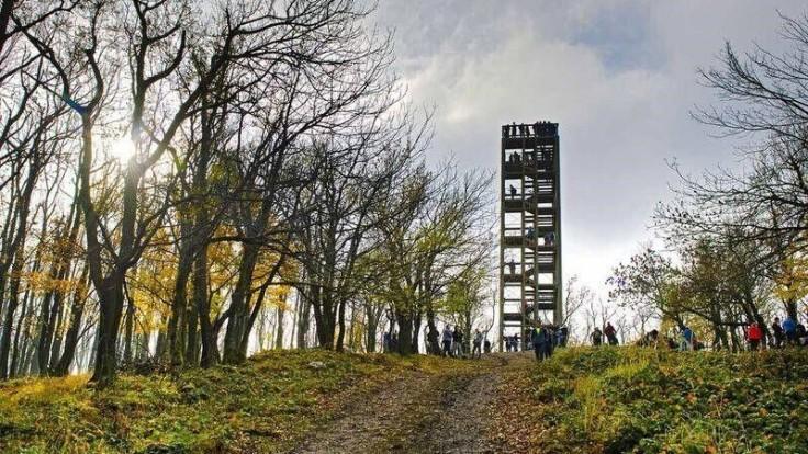 Ak budete mať šťastie na počasie, dovidíte aj do Rakúska. Zdroj: CK SATUR