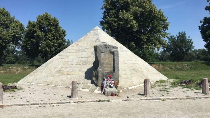 Pamätné miesto, kde sa zrútilo lietadlo M. R. Štefánika sa nachádza pri Ivanke pri Dunaji. Foto: CK SATUR