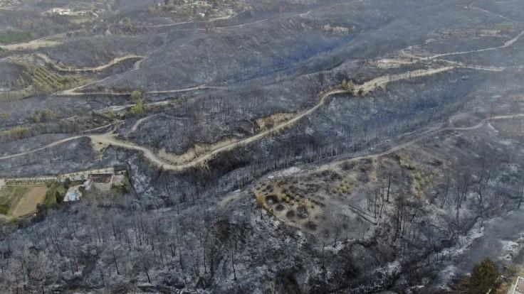 Požiare zasiahli viacero častí Turecka.