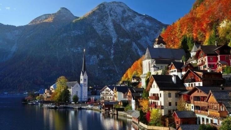 Rozprávkové mesto Hallstatt v Rakúsku.