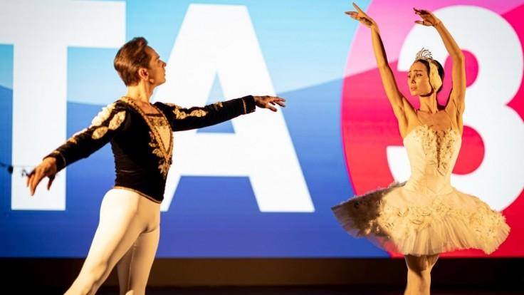 Jednou z umeleckých lahôdok večera bolo vystúpenie sólistov Baletu SND.