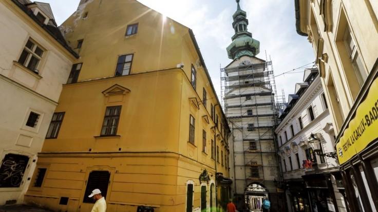 Michalskú vežu opravujú