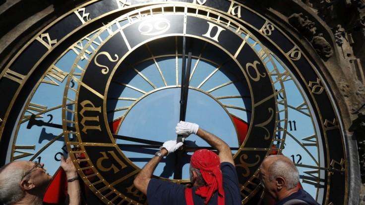 Pražský orloj počas opráv