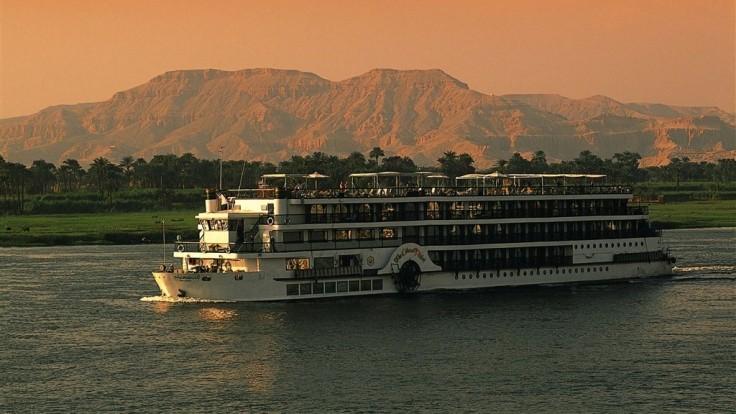 Plavba po Níle.