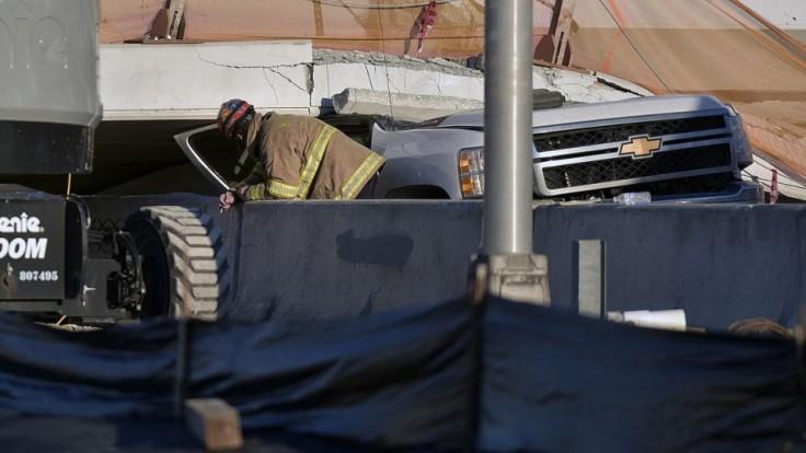university-bridge-collapse-49104-d963010850114ba2bdaf5ddf13f3a1ea_e7dbd968.jpg