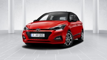 hyundai-i20-facelift-3-4-fronr-02-red_b9c589bf.jpg