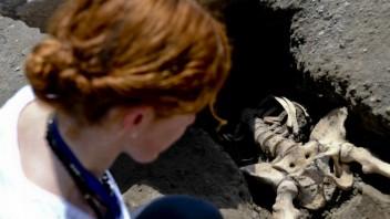 italy-pompeii-skeleton-32368-9162ed70ce6d498aa2dbedc6efcbf79c_f2b8061b.jpg