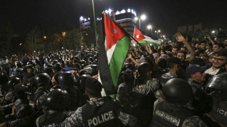 jordan-protests-32630-907e121ea75c4545ade8fc63d5270a42_23c7ae29.jpg