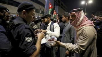 jordan-protests-03825-08cb03e6f01241e0a38e9268df0100a9_b91b3396.jpg
