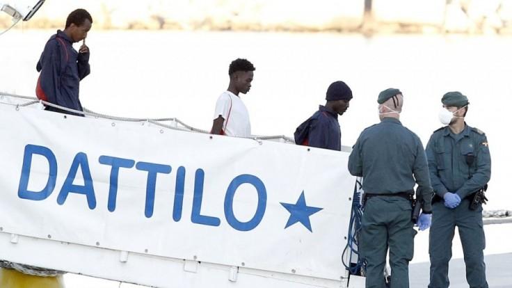 spain-europe-migrants-10683-b68e5be00a5d496cb8cdb010e731b9e2_28cf9a6d.jpg