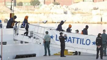 spain-europe-migrants-93087-0e5c875fd21f4291bcc636091d3c70fa_a202e647.jpg
