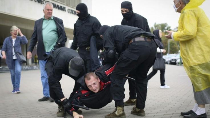 belarus-protests-32244-e3e415268c924f29bb8f1ff051e2a433_a9a369f3.jpg