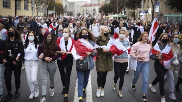 belarus-protests-70425-99f3bd19fd4d444fb5935625ee51c100_0f767b12.jpg