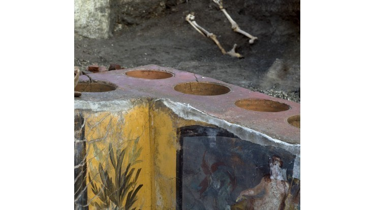 italy-pompeii-fast-food-69012-8d4dacbc1f4149978532e7d25a4595d4_6947665a.jpg