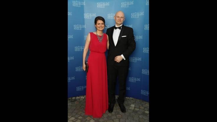 Virológ Boris Klempa s manželkou na udeľovaní ocenení Krištáľové krídlo 2020.